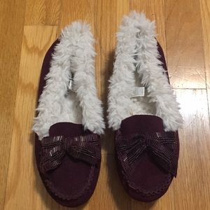 American Eagle slippers/moccasins